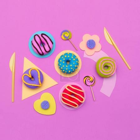 Mode-Donut-Set. Süßigkeiten minimale Flatlay-Kunst.