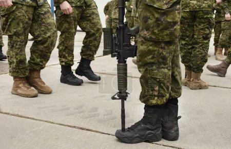 Photo pour Soldat armé. Armistice. Forces armées, troupes, armée. Concept militaire. - image libre de droit