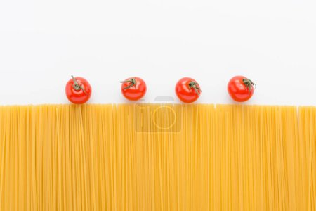 Raw vermicelli and tomatoes