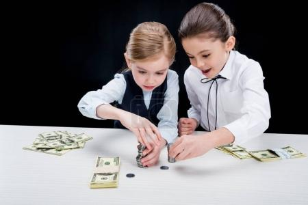 girls calculating money
