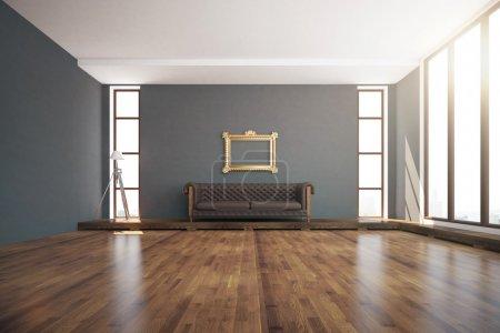 Foto de Lujoso diseño interior con suelo de madera, paredes gris oscuro, lámpara de pie, ventanas con luz natural, marco dorado ornamentado y sofá de cuero marrón. Renderizado 3d - Imagen libre de derechos