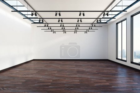 Gallery with clean wall