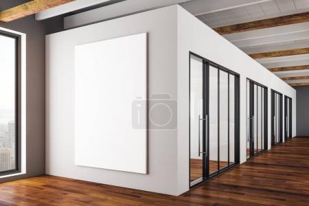 Photo pour Intérieur de bureau moderne avec vide affiche sur la vue de mur et de la ville. Mock up, rendu 3d - image libre de droit