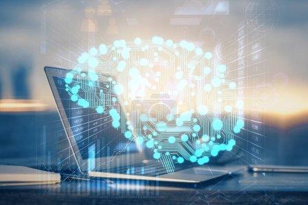Foto de Multiexposición del espacio de trabajo con holograma informático y cerebral humano. Concepto de tormenta de cerebros. - Imagen libre de derechos