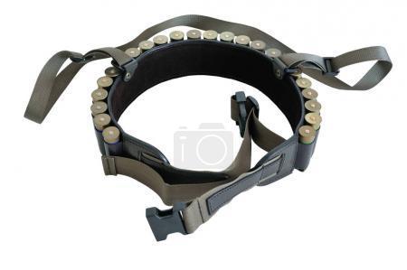 Foto de Cinturón de munición de balas de rifle de cazador y bandolera, cartuchos dentro. Aislado - Imagen libre de derechos