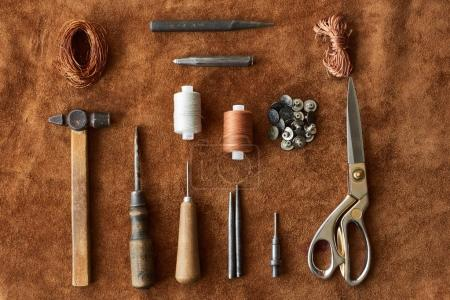 Set of instruments for leather threading