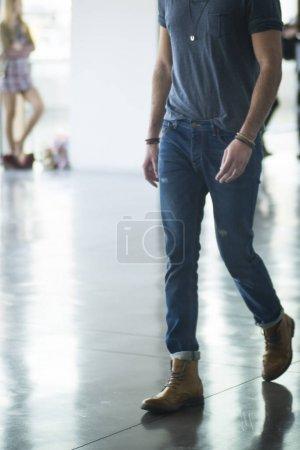 Photo pour Modèles en attente dans un casting - image libre de droit