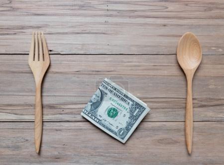 Photo pour USA billet de banque sur fond en bois - image libre de droit
