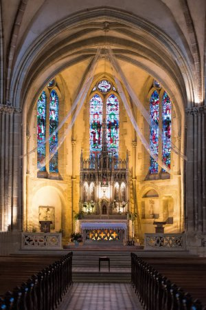 Photo pour Église catholique vue intérieure - image libre de droit