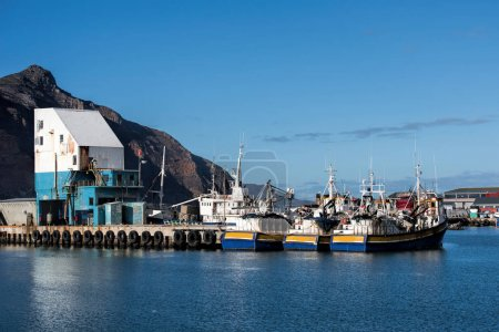 Hout bay with boats