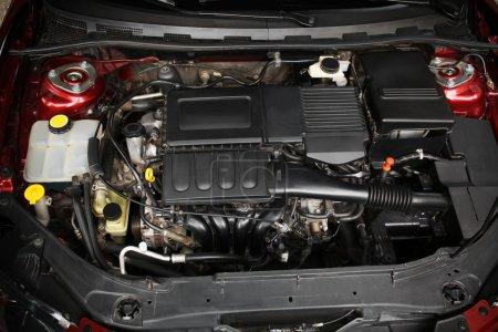 Photo pour Gros plan du moteur de voiture - image libre de droit