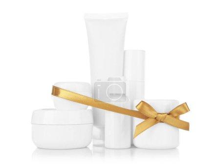 Photo pour Beauté set cadeau sur fond blanc - image libre de droit