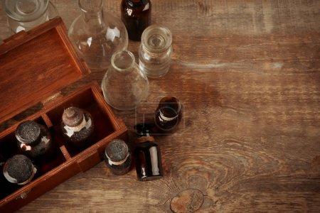 Photo pour Bouteilles en verre vintage, gros plan - image libre de droit