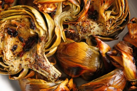Baked artichokes with spices
