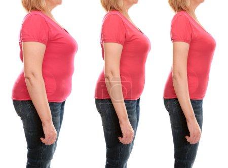 Photo pour Le corps de la femme mature avant et après la perte de poids sur fond blanc - image libre de droit