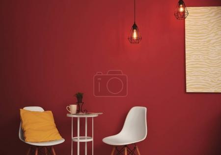 Photo pour Chaises à l'intérieur moderne chambre - image libre de droit
