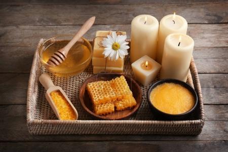 Body scrub and honey