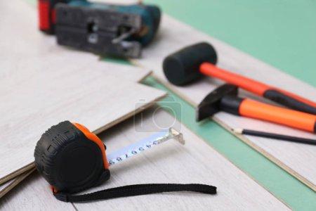 Laminate installing equipment