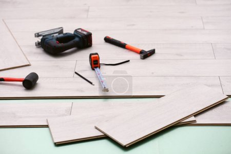 Laminate installing equipment