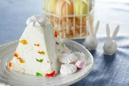 Traditional curd Easter cake