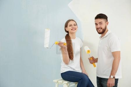 couple renewing apartment