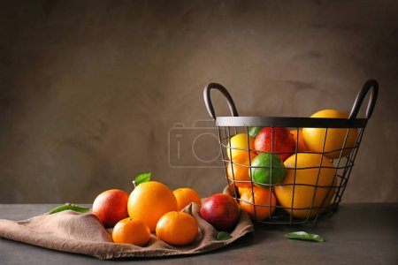 Composition with fresh citrus fruits