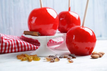 Delicious holiday apples