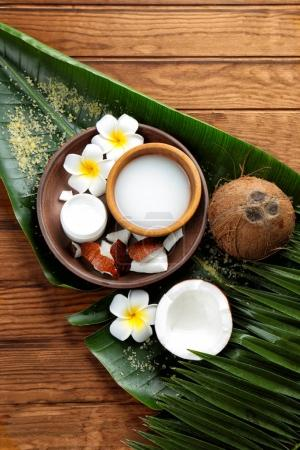 Composition with coconut milk
