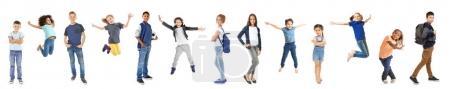 Photo pour Écoliers de différents âges sur fond blanc - image libre de droit