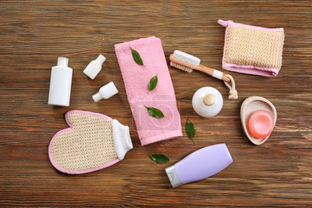 Composition with bath accessories
