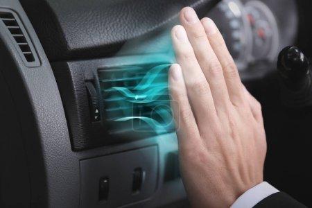 Photo pour Pilote de contrôle de flux d'air froid du système en voiture - image libre de droit