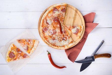 Пицца Дьябло с салями перец