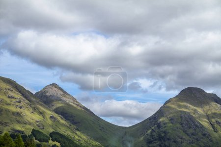 Photo pour Highland hills à Glen Etive de Glencoe, Lochaber, Écosse - image libre de droit