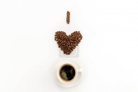 Photo pour J'aime concept de café avec tasse de café isolé sur fond blanc - image libre de droit