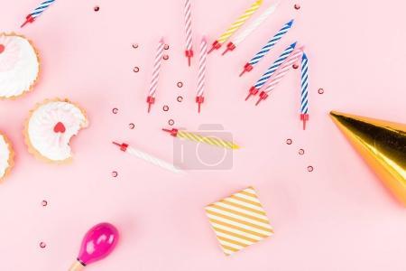Cupcakes y coloridas velas