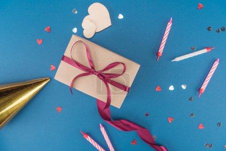 boîte cadeau et bougies