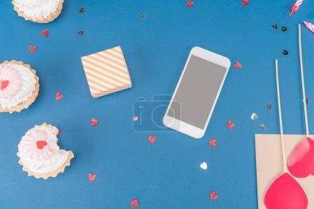 gift box and smartphone