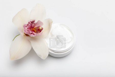 Organic cream with orchid