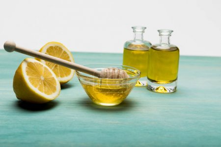Oil with lemon and honey