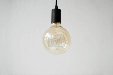Photo pour Une suspension lampe moderne isolée sur blanc - image libre de droit