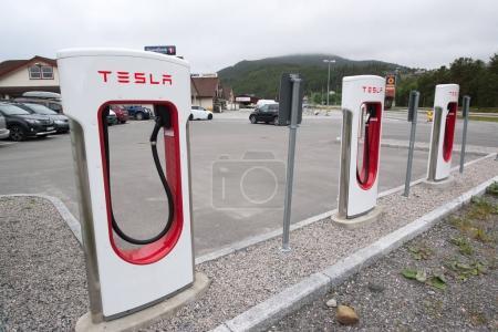 Tesla supercharger unit