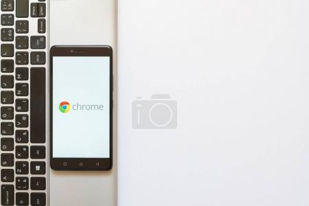 Googe chrome logo on smartphone