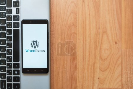 WordPress-Logo auf dem Smartphone