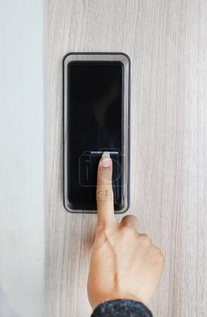 Fingerprint used as an identification method on a door lock