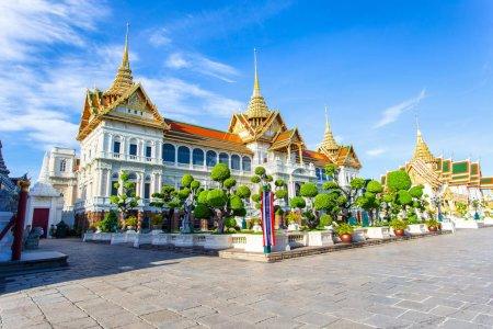 Photo for Grand palace and Wat pra kaew with blue sky, bangkok, Thailand - Royalty Free Image