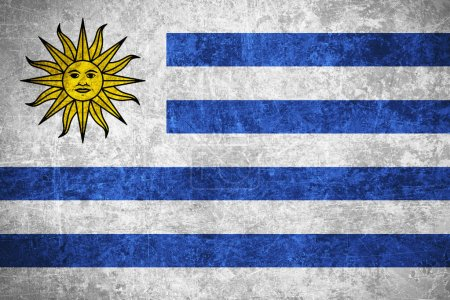 Photo pour Drapeau de l'Uruguay ou bannière uruguayenne sur texture vintage rayée - image libre de droit