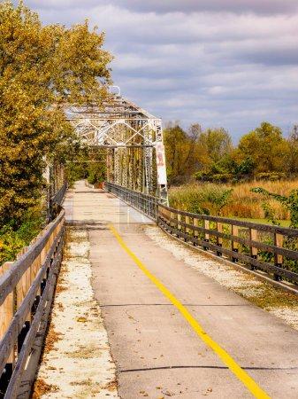 Photo pour Pont tournant historique déplacé du canal I & M - image libre de droit