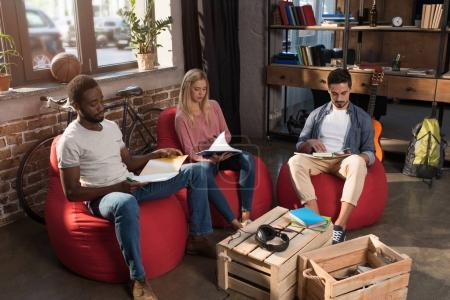 multiethnic students studying together