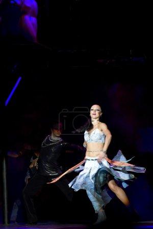 """Photo pour Drame de danse de renommée mondiale """"Notre Dame de Paris"""" interprété par la troupe de danse du monde au Colisée SICHUAN 2 février 2010 à Chengdu, Chine . - image libre de droit"""