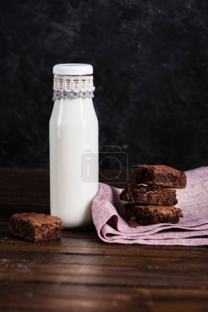 milk and homemade brownie cakes